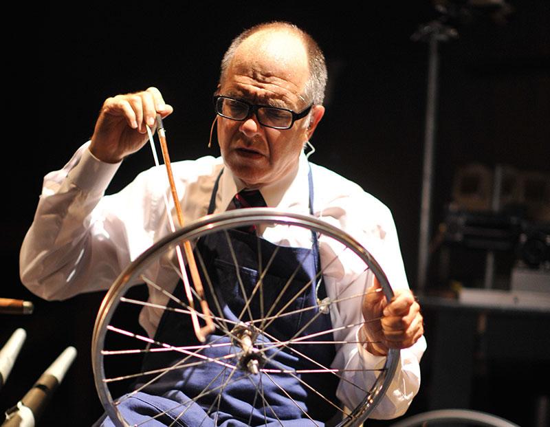 3-Schick-Steve-bowing-bicyle-wheel-medium-res